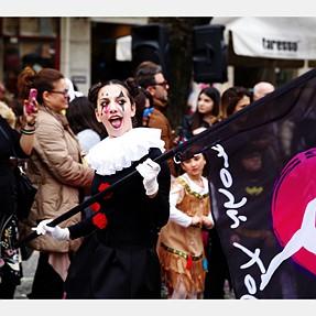Carnival parade in Corfu (K-1 + DFA 24-70)
