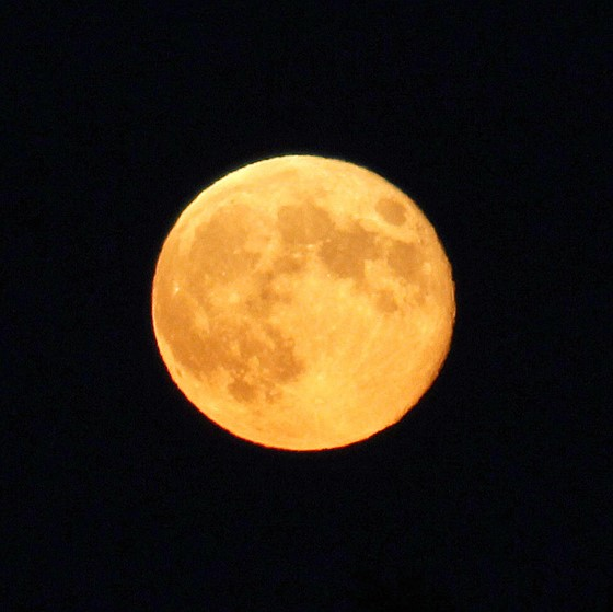 How To Take Moon Pictures At Sunset?: Canon Rebel (EOS