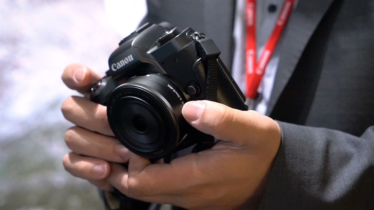 Photokina 2016: Canon EOS M5 quick look video: Digital Photography