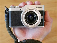 Panasonic Lumix DC-GX850/GX800 review: lean selfie machine
