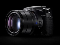 Sony adds Real-Time Animal Eye AF to the RX10 IV via firmware update