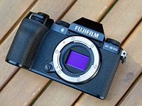 Fujifilm X-S10 full review: An image-stabilized camera for (almost) everyone