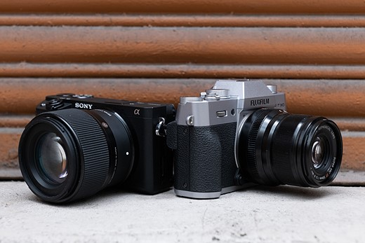 728cb6d2d8f From a specs point of view the a6400 and X-T30 look pretty similar  they re  both 4K-capable APS-C mirrorless cameras with very similar price tags.