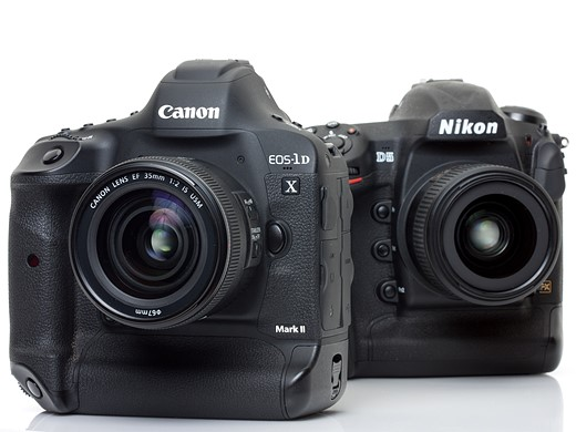 Flagships compared: Canon EOS-1D X Mark II versus Nikon D5 1