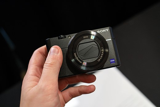 Hands-on with the Sony Cyber-shot RX100 V 9