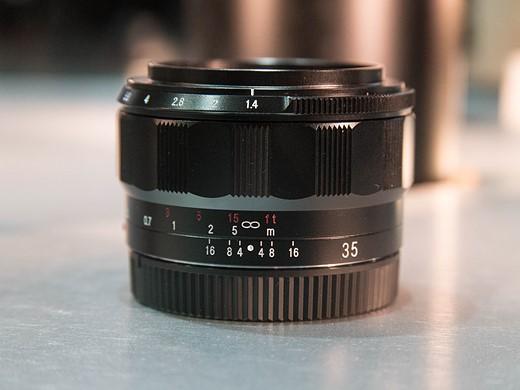 Kết quả hình ảnh cho Voigtländer 35mm f/1.4 Nokton Classic (E-Mount)
