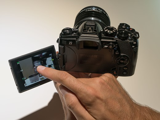 Photokina 2016: Hands-on with Olympus OM-D E-M1 II 5