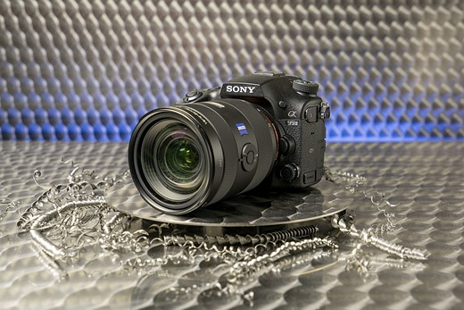 Photokina 2016: Hands-on with Sony a99 II 1