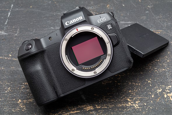 Canon releases firmware updates for the EOS R and 7 RF lenses