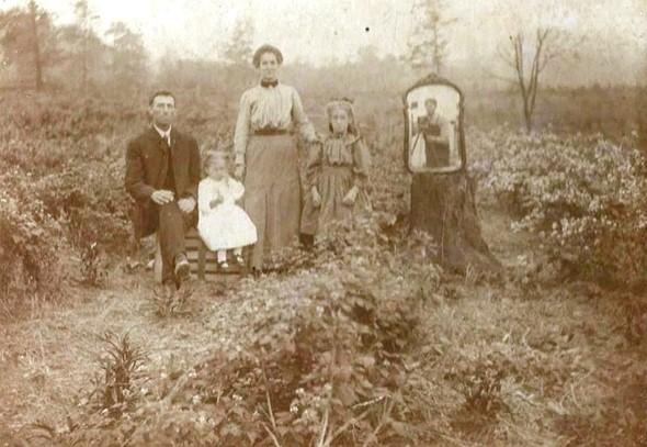 Una foto de 1900 recientemente compartida muestra un ejemplo antiguo de un 'selfie'