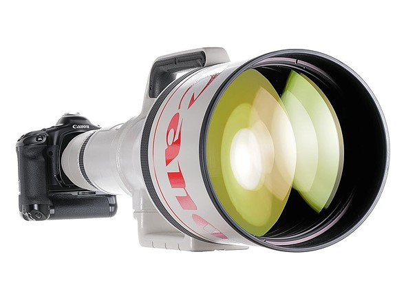 World's longest AF SLR lens, the Canon EF 1200mm F5.6, comes up for sale at auction in Germany