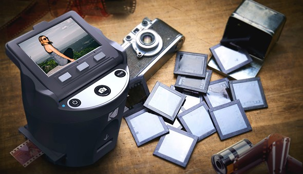 Kodak Scanza is a portable, budget film scanner that turns negatives into JPEGs