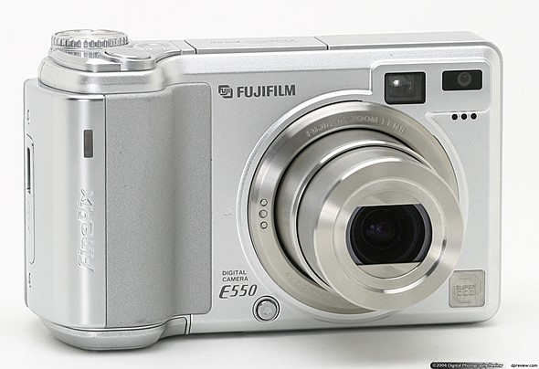 Throwback Thursday: the Fujifilm FinePix S5100 Zoom and all those shiny new compacts 1