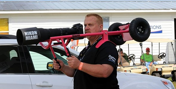 Photographer captures Miami Beach air show with Nikon 800mm and custom rig 1