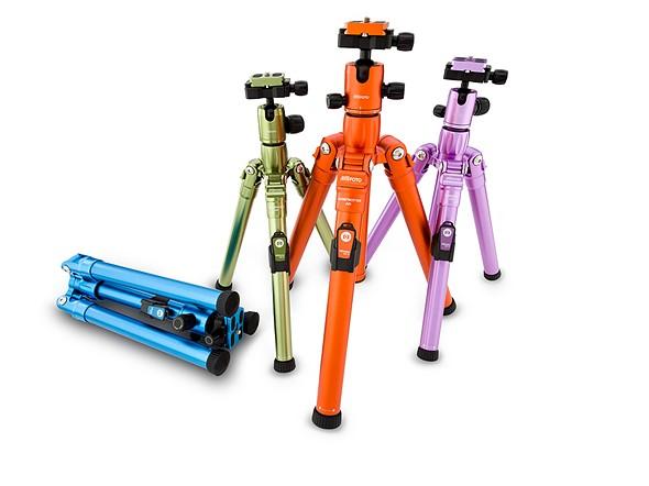 MeFoto Air tripods offer new leg locks, selfie stick mode 1