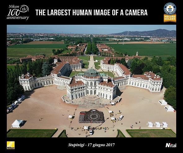 Italian Nikon distributor sets world record for largest human camera 2