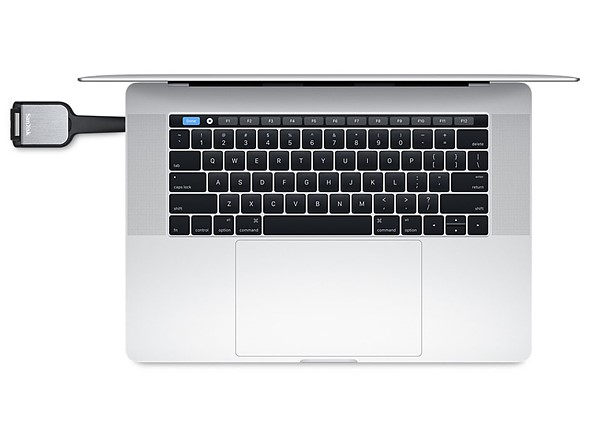 Apple cuts adapter and card reader prices to appease new MacBook Pro buyers 1
