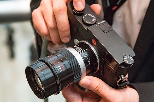 Hands-on with Leica's new classic 90mm Thambar