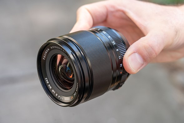 Hands-on with the Fujifilm XF 18mm F1.4 R WR