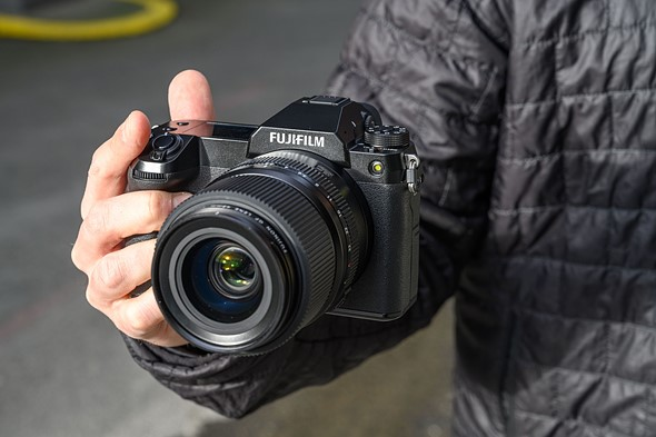 Hands on with the new 100MP Fujifilm GFX 100S