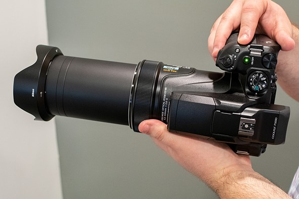 125X optical zoom (24-3000mm equivalent)