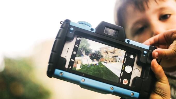 Pixlplay Turns A Smartphone Into A Big, Durable 'camera