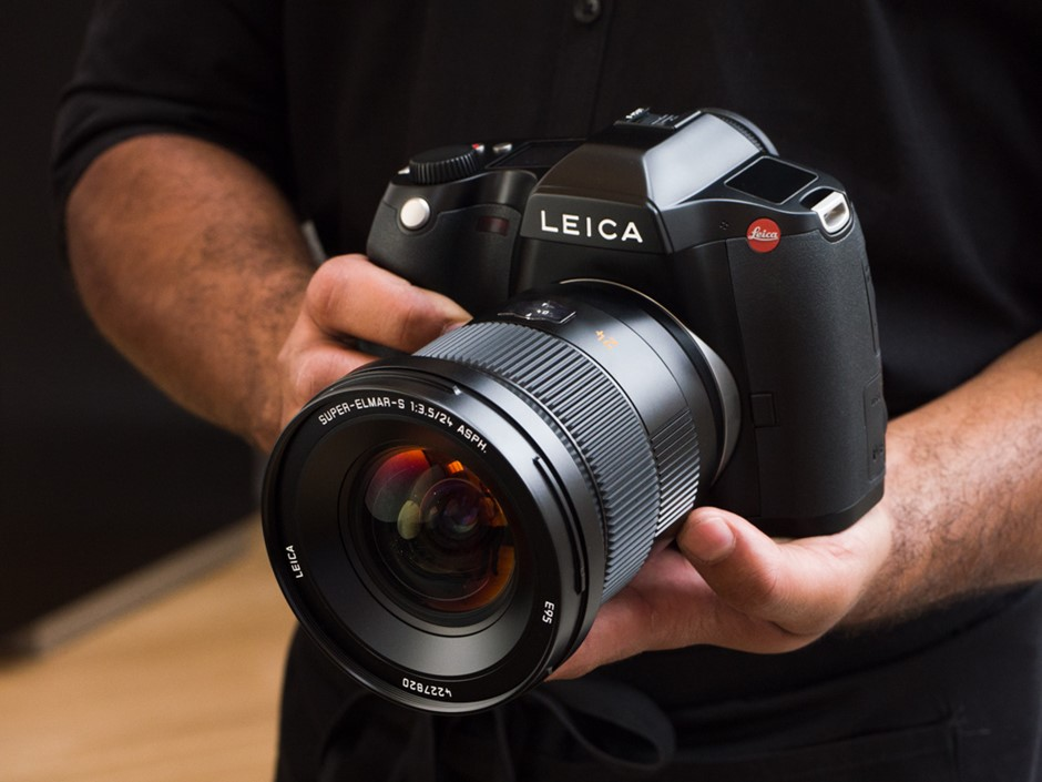 Hands-on: Leica claims fastest in the world for its new CMOS S (Type 007)