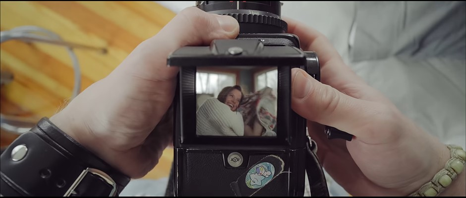 Award-winning film shot through Hasselblad 500CM warns of photo obsession dangers