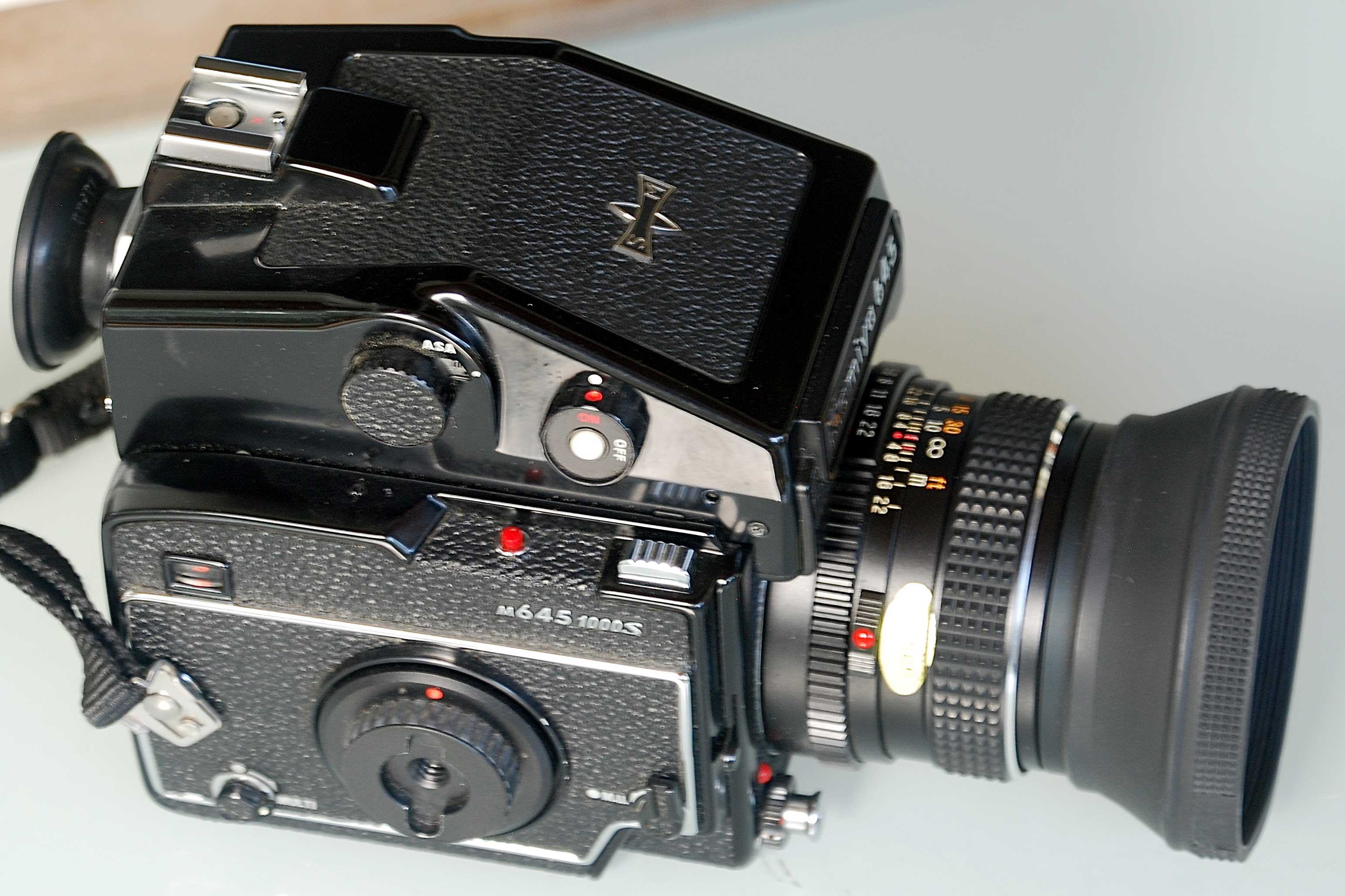 For Sale: Mamiya m645 1000S Cased Set, Medium Format Film Camera