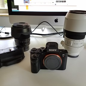A7rii, 70-200mm f4 FE, 35mm 1.4 Fe, sony vertical grip, RRS L bracket for vertical grip,RSS Tripod
