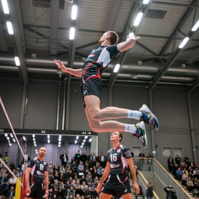 Indoor sport pictures - against all odds