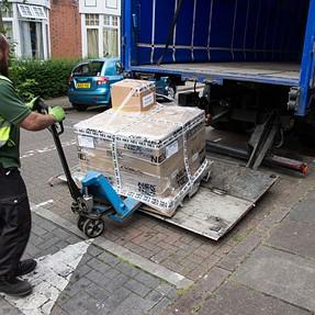 The P5000 comes in a big box...