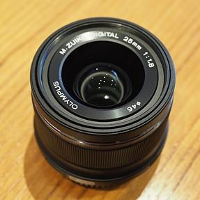 Olympus M.Zuiko 25mm f1. 8 (Black) Mint Condition w/Hood $225