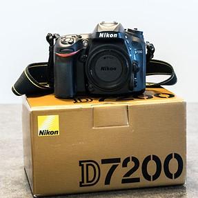 Excellent Nikon D7200 complete in original box. Shutter less tha 10K