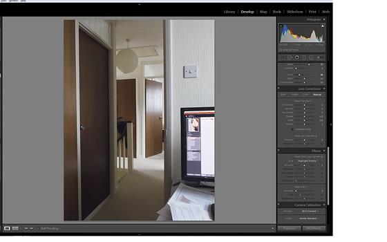 Fuji X series lens distortion correction : Photographic