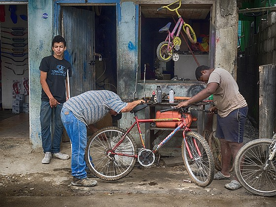 Ye old bicycle repair shop: Documentary and Street photography Forum