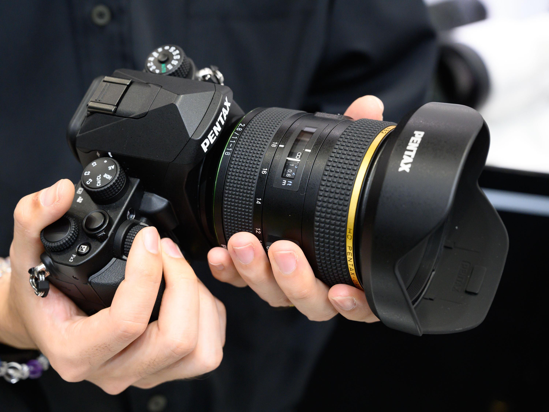 CP+ 2019: Ricoh shows PENTAX-DA* 11-18mm F2 8 ED DC AW