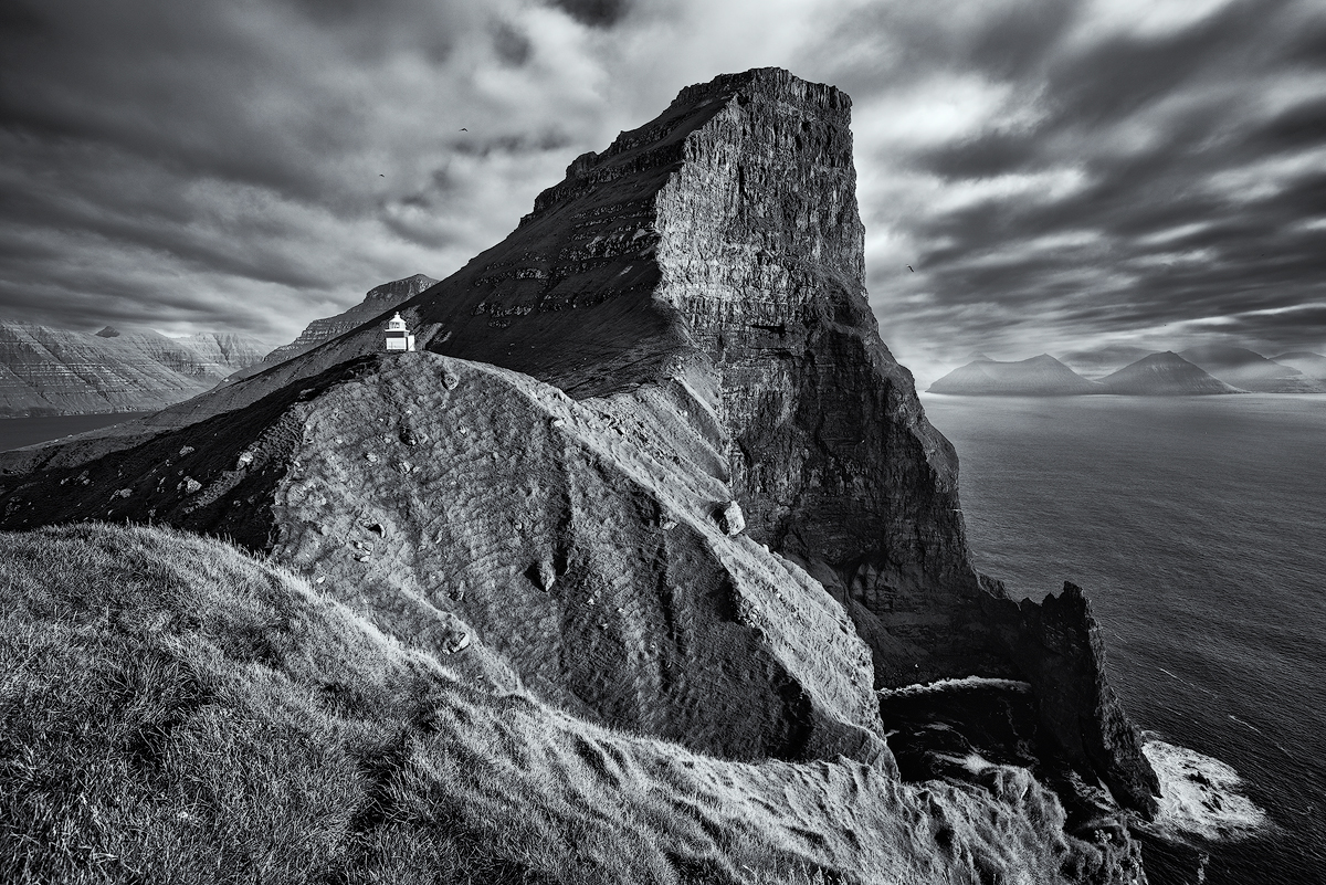 In praise of shooting monochrome landscapes digital photography review