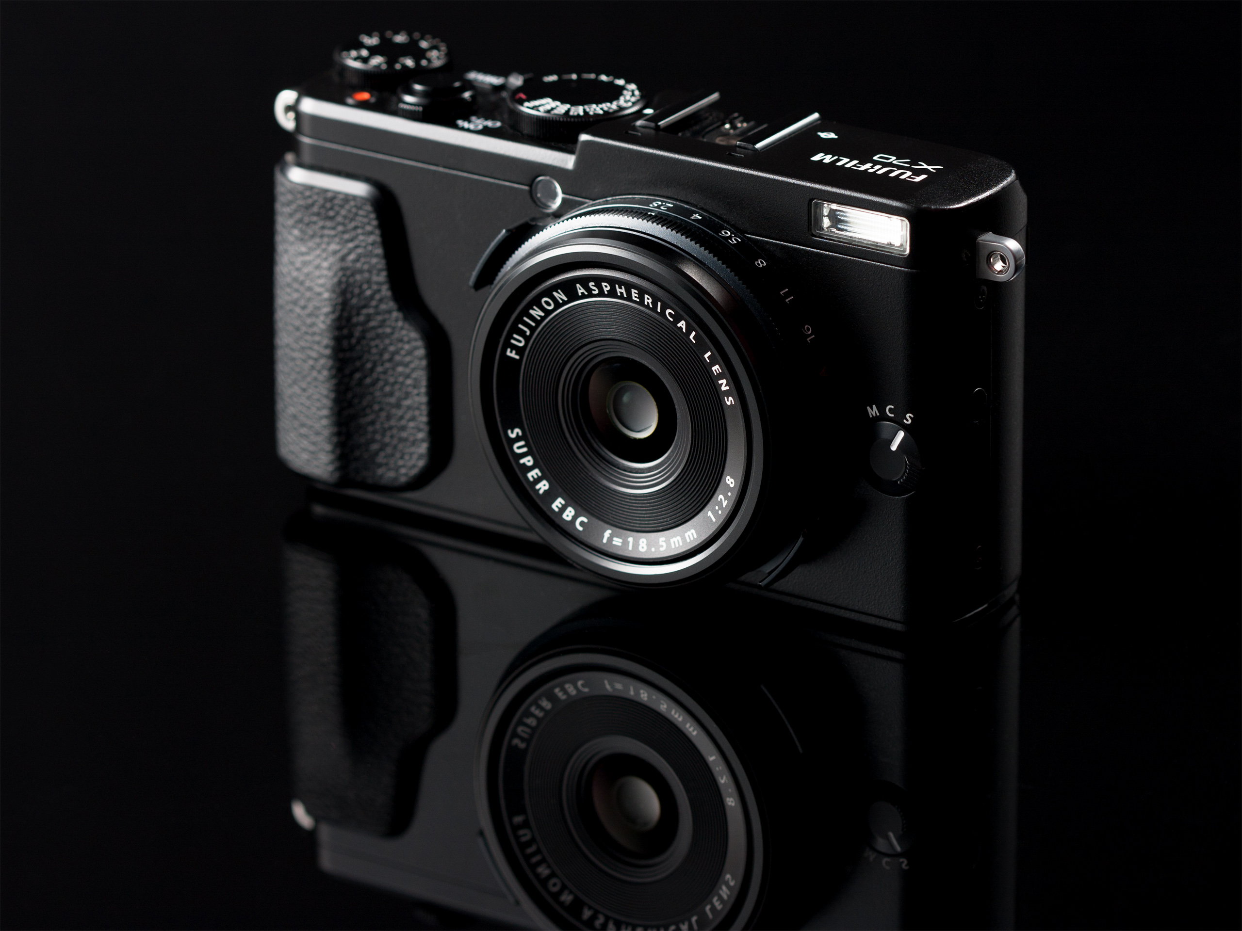 Fujifilm X Review Digital Photography Review - Spinning a camera whilst snapping a photo has some seriously cool results